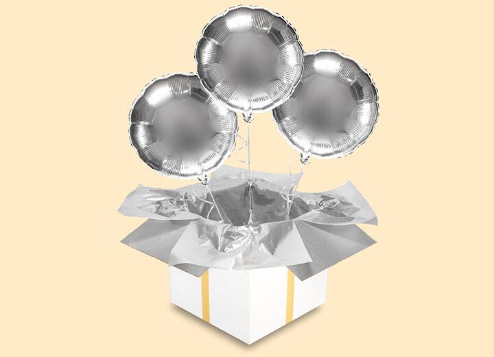 Trzy srebrne koła